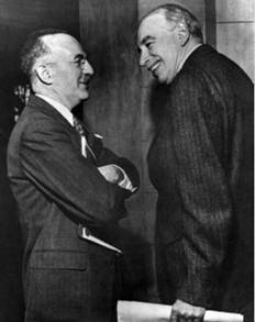 American economist Harry Dexter White (left) and renowned economist Lord John Maynard Keynes of Great Britain founded the World Bank and the Inter¬national Monetary Fund.